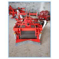 禹城市瑞乾机械设备有限公司供应30-55马力拖拉机带的振动筛式平地起垄地都可以收的花生收获机