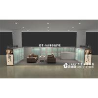 南京展柜-范亨连锁店面装修-玻璃烤漆展柜