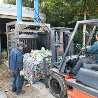 废旧电水壶压块机 启航立式20吨单缸玻璃丝打包机 多功能毛绒面料压包机厂家
