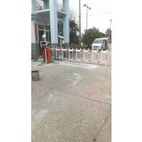 大鹏停车场收费道闸安装,自动升降道闸杆,大鹏停车场栅栏式道闸厂