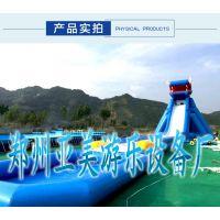 游客一般会选择口碑比较高的水上乐园,水上乐园保持干净的经营环境凉爽舒适的环境,身心愉悦的活动给客户