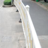 城市道路隔离护栏在建设中的作用