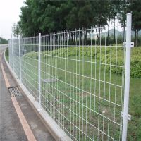 河道护栏 双边丝护栏网 高速公路护栏 焊接绿色铁网围栏 围墙铁网栅栏