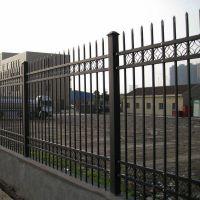宝川锌钢护栏小区别墅围墙围栏厂家定制价格优惠