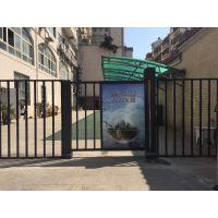 专业发布南京地区人行门灯箱,小区道闸广告