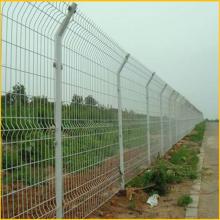 压弯护栏网 波浪形护栏网 运动场围栏网