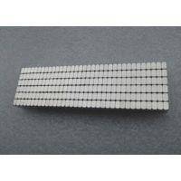 厂家供应强力圆形磁铁 N35圆片强磁 圆形强磁磁铁片 吸铁石 磁钢