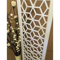 热门铝窗花定制规格介绍,造形艺术铝窗格设计生产厂家。