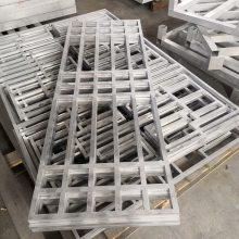 专业出口铝窗花,铝天花装饰材料 隔断仿木质铝窗花 木纹隔断窗花