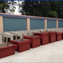 厂家供应西藏户外仿木花池,内蒙古仿木花箱,云南仿木啤酒桶,贵州仿树皮垃圾桶