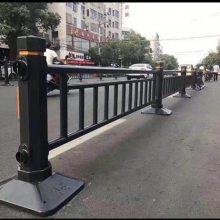 琼海人行道隔离栅现货 带底座的车道分隔护栏价格 海口市政护栏