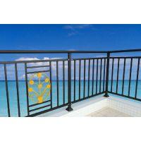 邵武仿木纹阳台栏杆全国供应,深受客户喜欢的喷塑护窗围栏Q235,璃栏阳台护栏美观HC