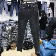 2018湖南厂家倒闭韩版女士九分牛仔裤低价批发 新款铅笔小脚牛仔裤清货处理