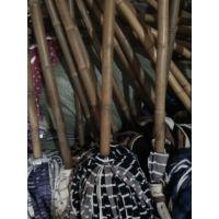 金竹拖把,1.3米长竹柄,超细纤维布料,吸附力强牢固赖用,轻便省力效果非常。