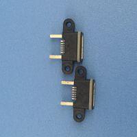 MICRO 防水母座 A型母头 黑胶 IP67 两脚双卡点 5P 带双耳螺丝固定孔