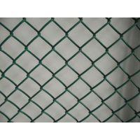 pvc勾花护栏网 体育场围栏隔离防护网公路护栏网批发