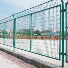 南宁公路护栏网厂家-1.8×3米带边框护栏网规格-电厂专业隔离围栏网