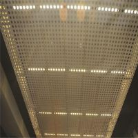 广东精密冲孔板 生产不锈钢洞洞网 打孔网板价格