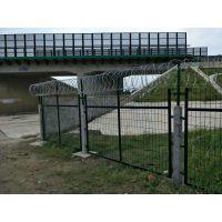 海纳川金属镀锌浸塑铁路防护栅栏