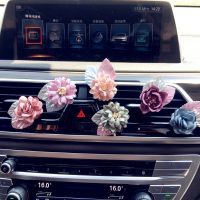 汽车空调出风口香水夹创意布艺花朵 女士装饰用品车内摆饰品批发
