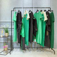 供应服装店在哪里进货女装外套批发广州品牌折扣女装休闲套装