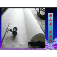 防水土工布与复合土工膜有什么区别吗?广西桂林防水土工布1000g用多厚的膜?