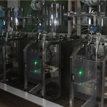 高速化工洗涤剂包装机-齐博包装设备专业制造