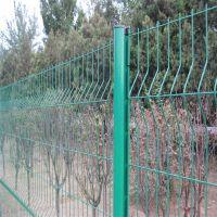 万泰铁路护栏网 苹果园防护网 便宜的焊接围网