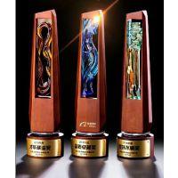 阿里巴巴水晶奖杯定做,年度评选品质卓越奖杯,木质底座奖杯批量定制,免费刻字