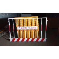 万卓厂家批发工地临时防护网 竖管基坑围栏 竖管基坑红白黄黑