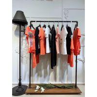 依构图女装女装品牌折扣店门头设计石井的尾货市场中式蕾丝大衣