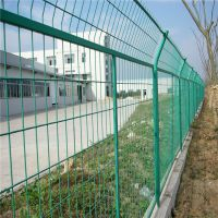 河北赛喆丝网品牌专业制造1.8米草绿色公路隔离栅,安装方便,工期短