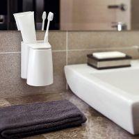 浴室漱口杯洗漱套装挂墙上卫生间刷牙杯壁挂置物架免打孔牙刷架