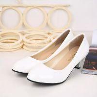 白色高跟鞋粗跟皮鞋圆头OL台单鞋40-43漆皮大码女鞋春秋款白色35