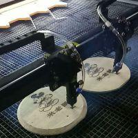 激光雕刻机 竹木制奖牌工艺品切割机 皮革布料镂花裁条打孔机