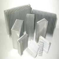 盛粤供应五千套现模 梳子散热器铝型材挤压深加工可供挑选