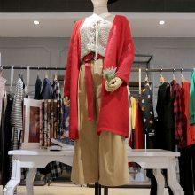 台绣广州品牌女装折扣加盟 昆明女装折扣批发尾货橘色小西装