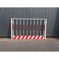 厂家生产警示隔离栏、施工安全防护网、基坑铁丝围栏网备有大量库存