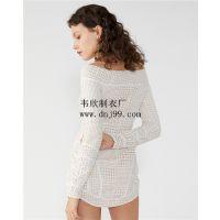 广州韦欣服装厂欧美简约聚酯纤维勾花镂空白色长袖一字肩高腰不规则连衣裙