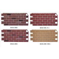 pp仿砖装饰外墙板可以做护墙板,也可做外墙装饰板,安装节省时间和材料,节约建筑成本