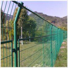 河北桃型柱护栏网厂家 三角折弯围栏网 小区住宅隔离防护网