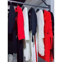 圣格瑞拉现货多种款式多种风格服装批发女装库存批发