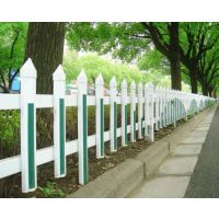 上蔡pvc草坪护栏道路防撞护栏 新力护栏生产厂家