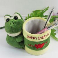 欢迎来图订做创意毛绒笔筒玩具青蛙公仔笔筒办公用品工厂批量生产