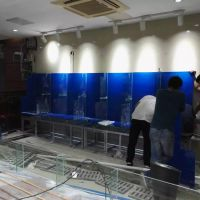 越秀区环市东路定做玻璃鱼缸公司,广州工业大学哪里定做大排档鱼池,订做饭店鱼池多少钱