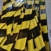广东吉建公司生产工地黑黄分色板 压槽踢脚板 红白镀锌踢脚线