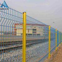三角折弯护栏网多少钱 桃型柱护栏网