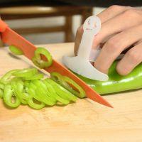 家居新款厨房用品新款笑脸型切菜护手器安全保护手指创意厨房小工