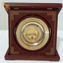 黑龙江哪里可以定制浮雕铜盘 高档商会纪念品 首届理事单位纪念牌