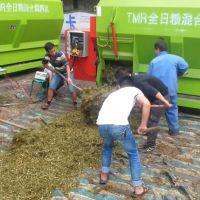 订制青贮饲料搅拌机 TMR饲料粉碎搅拌一体机 大容量拌草车